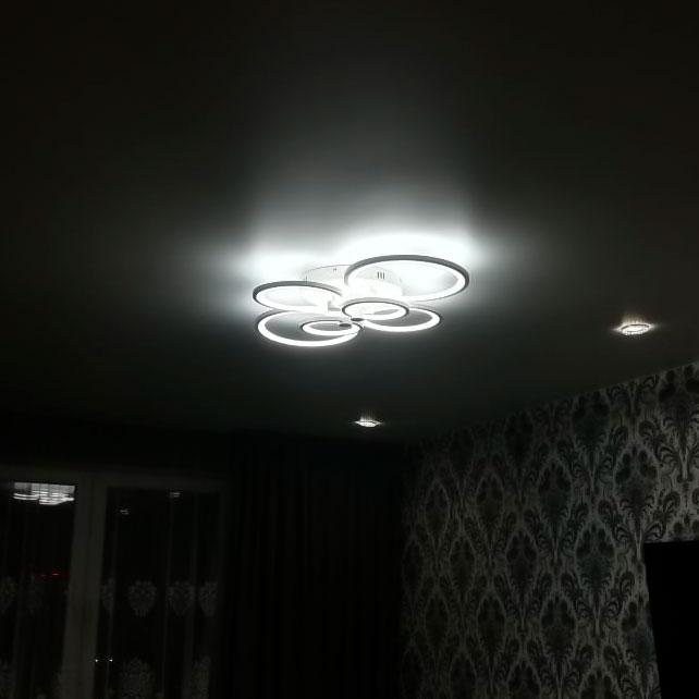 Люстра кольца светодиодные в интерьере фото
