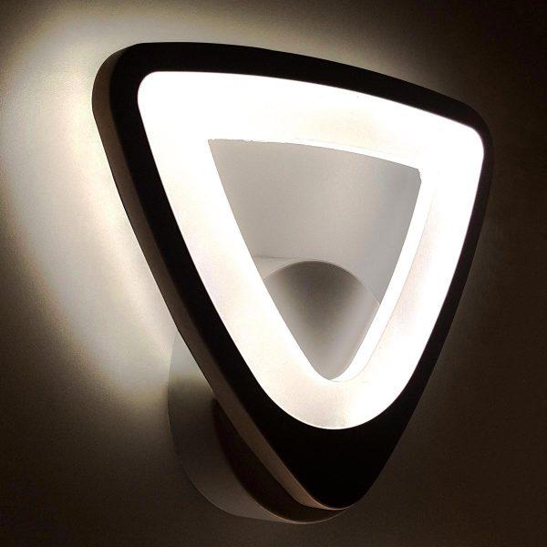 Бра светодиодное треугольник фото