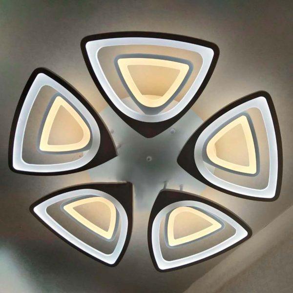 LED люстра в форме треугольников фото