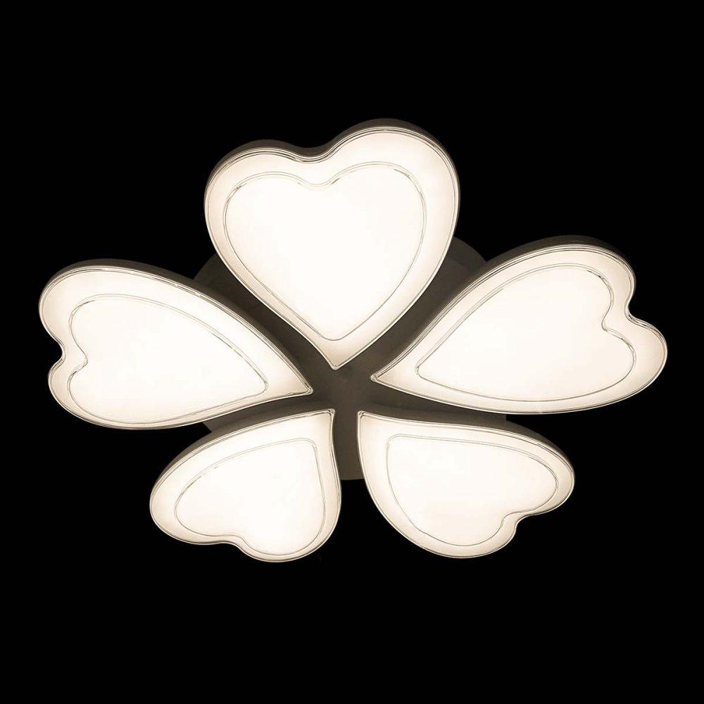 Светодиодная люстра в форме сердца фото