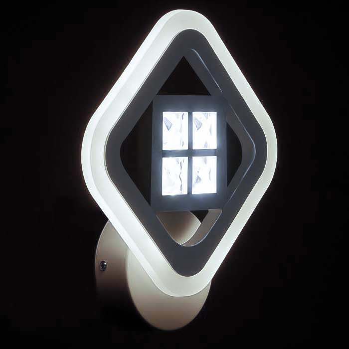 bra-kvadбра квадрат с хрустальными камнями белый фото