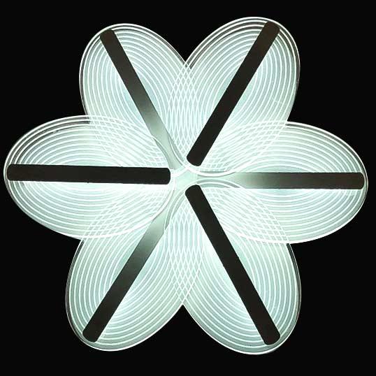 диодная люстра в форме цветка Cinnamone фото
